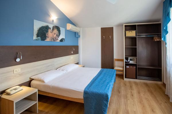 hotel-lory-chianciano-112ADD41C2-60DF-9572-6ADF-198144682E01.jpg