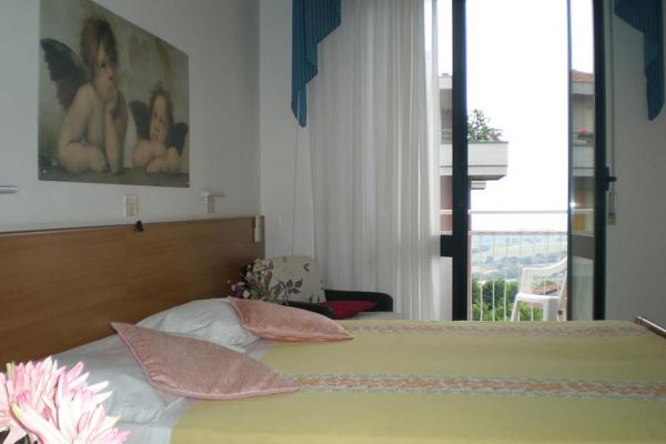 hotel-lory-chianciano-174837132C-0EDF-B64E-99B2-A2C7025131B7.jpg