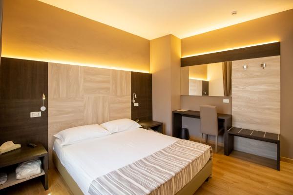 hotel-lory-chianciano-6744B1FB7-6616-39CF-5072-5267E47E794D.jpg