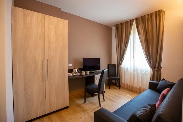 hotel-lory-chianciano-703241B02-CF98-24FA-B412-73E37C8955F5.jpg