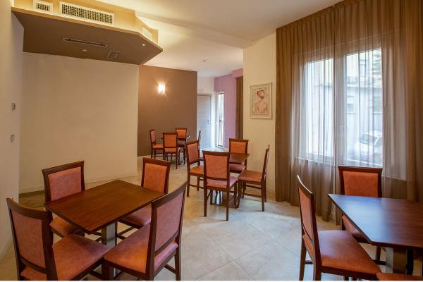 hotel-lory-chianciano-7052F8F9A9-4EA2-32DA-6B55-4041FD51FB58.jpg